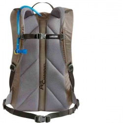 Camelbak Rim Runner 22 Rear view