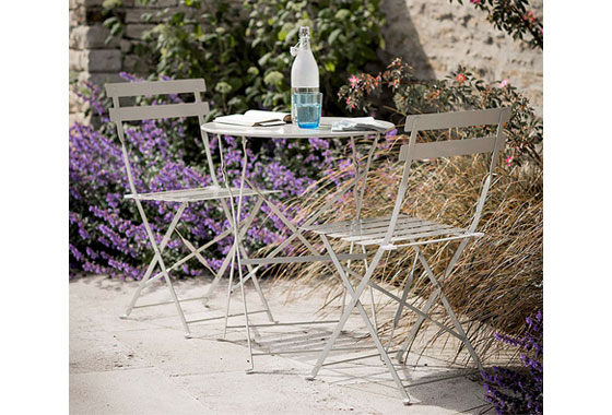 Garden Trading Rive Droite Bistro Table Set